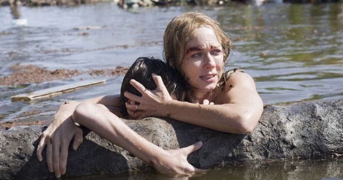 Naomi Watts and Tom Holland star in The Impossible-2.jpeg